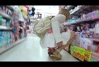 スレンダー美人のパンチラが・・・!! 稀少です!! 8802-022-T