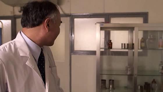 エッチで美人な女医の椎名ゆながチュパチュパとフェラ